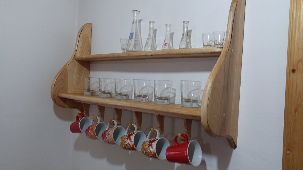 Wooden shelf for glasses